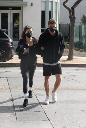 Chantel Jeffries and Chainsmoker Lucas Taggart - Arriving to a workout