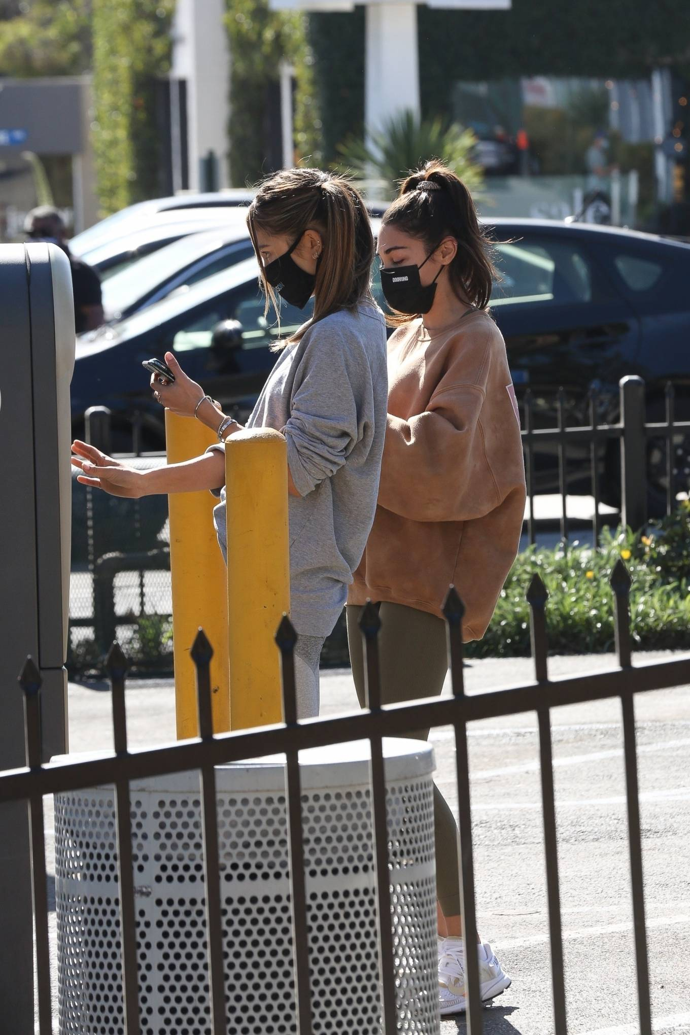 Chantel Jeffries 2020 : Chantel Jeffries – seen at Dogpound with a friend in Los Angeles-02