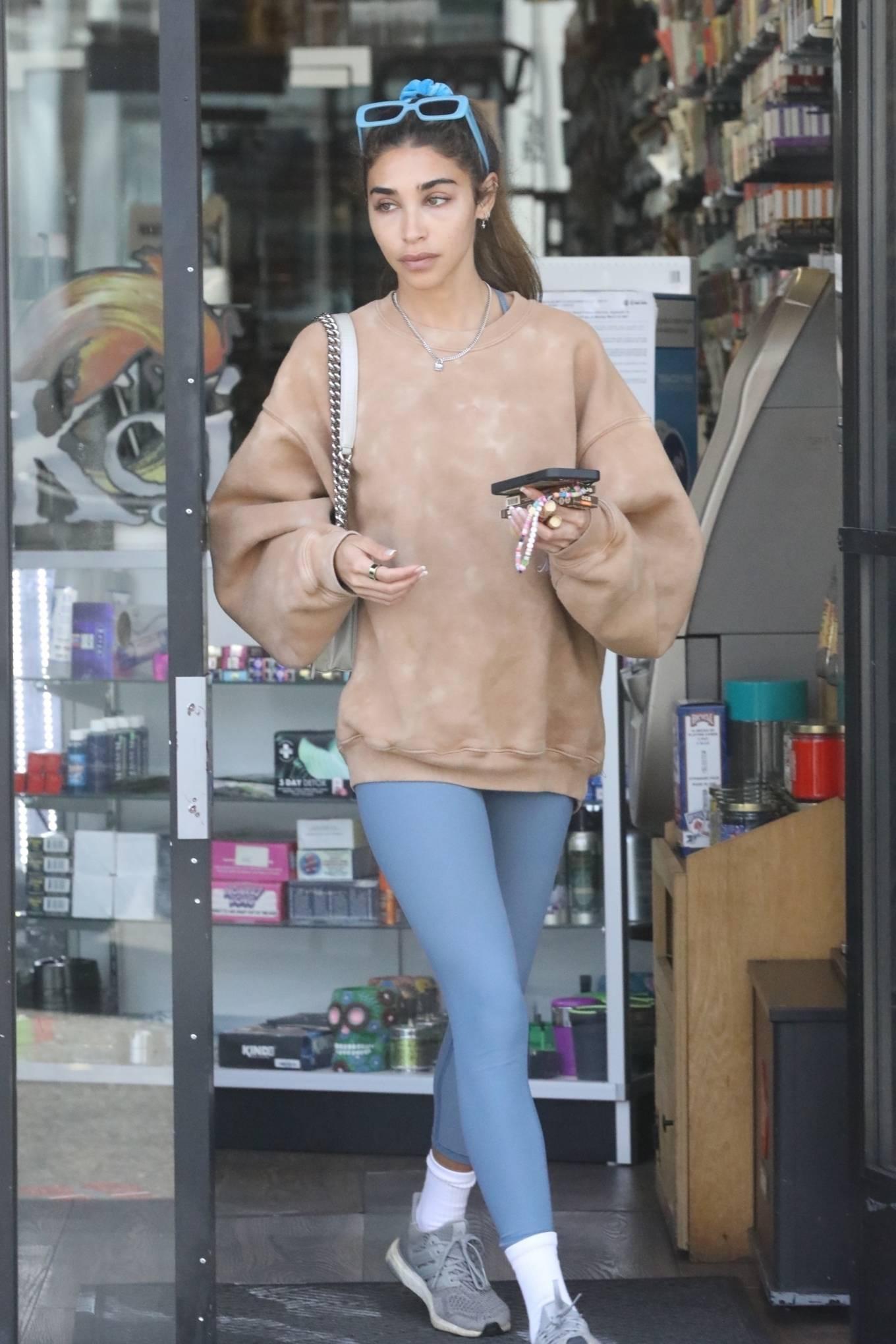 Chantel Jeffries 2021 : Chantel Jeffries – Shopping in Los Angeles-04