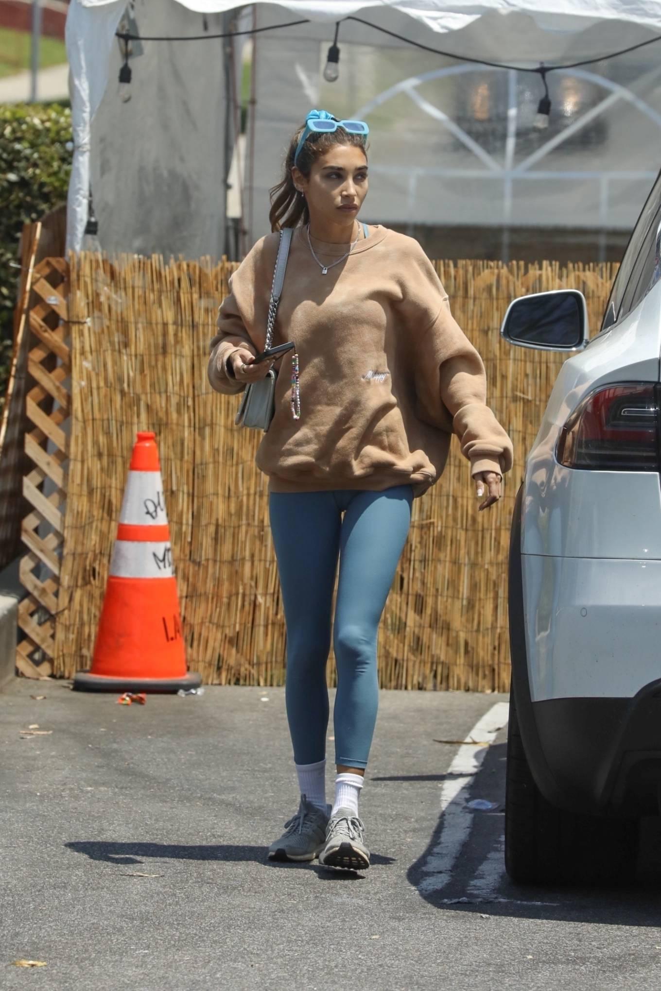 Chantel Jeffries 2021 : Chantel Jeffries – Shopping in Los Angeles-11