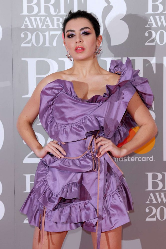 Charli xcx brit awards 2017 in london for Lindsay aitchison