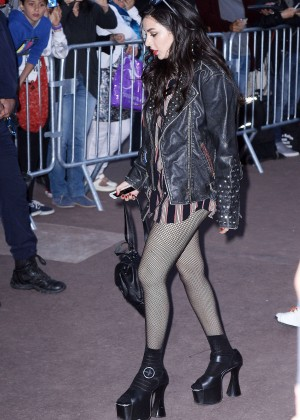 Charli XCX - Le Grand Journal in Cannes