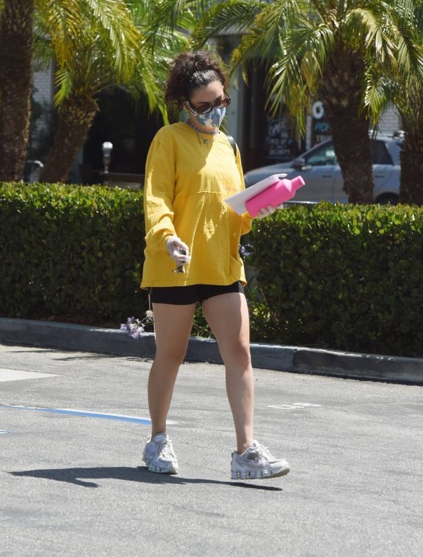 Charli XCX - Out for a daily workout in Los Angeles