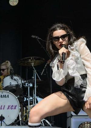 Charli XCX: Performance at 2015 Lollapalooza -13