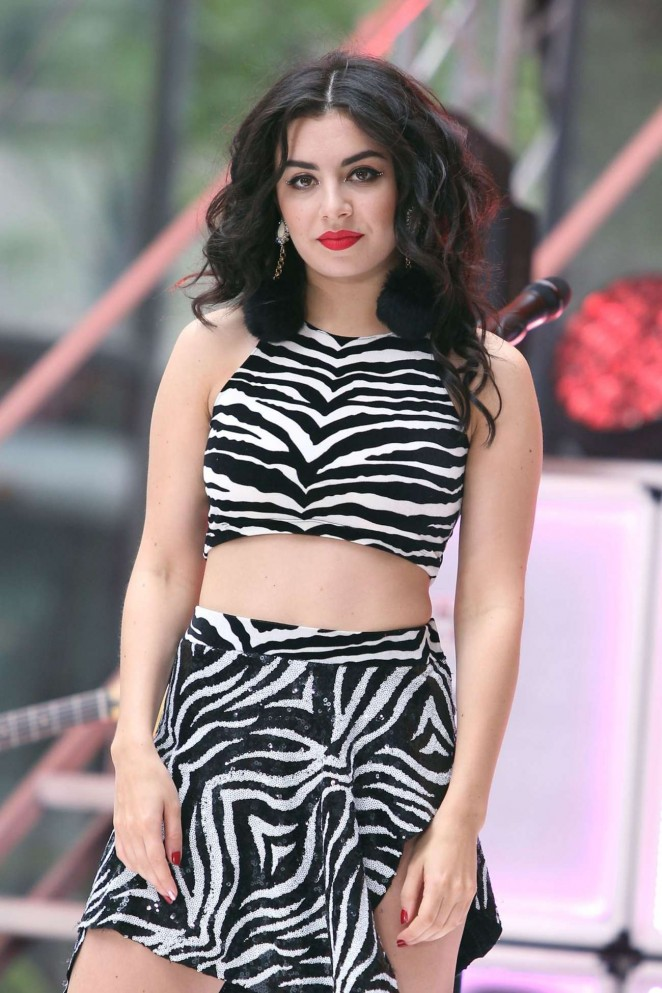 Charli xcx today show concert series 09 gotceleb for Lindsay aitchison