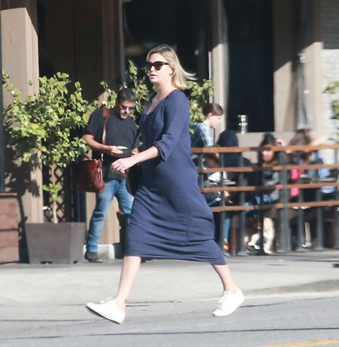 http://www.gotceleb.com/wp-content/uploads/photos/charlize-theron/in-blue-long-dress-out-in-studio-city/Charlize-Theron-in-Blue-Long-Dress--06-662x677.jpg