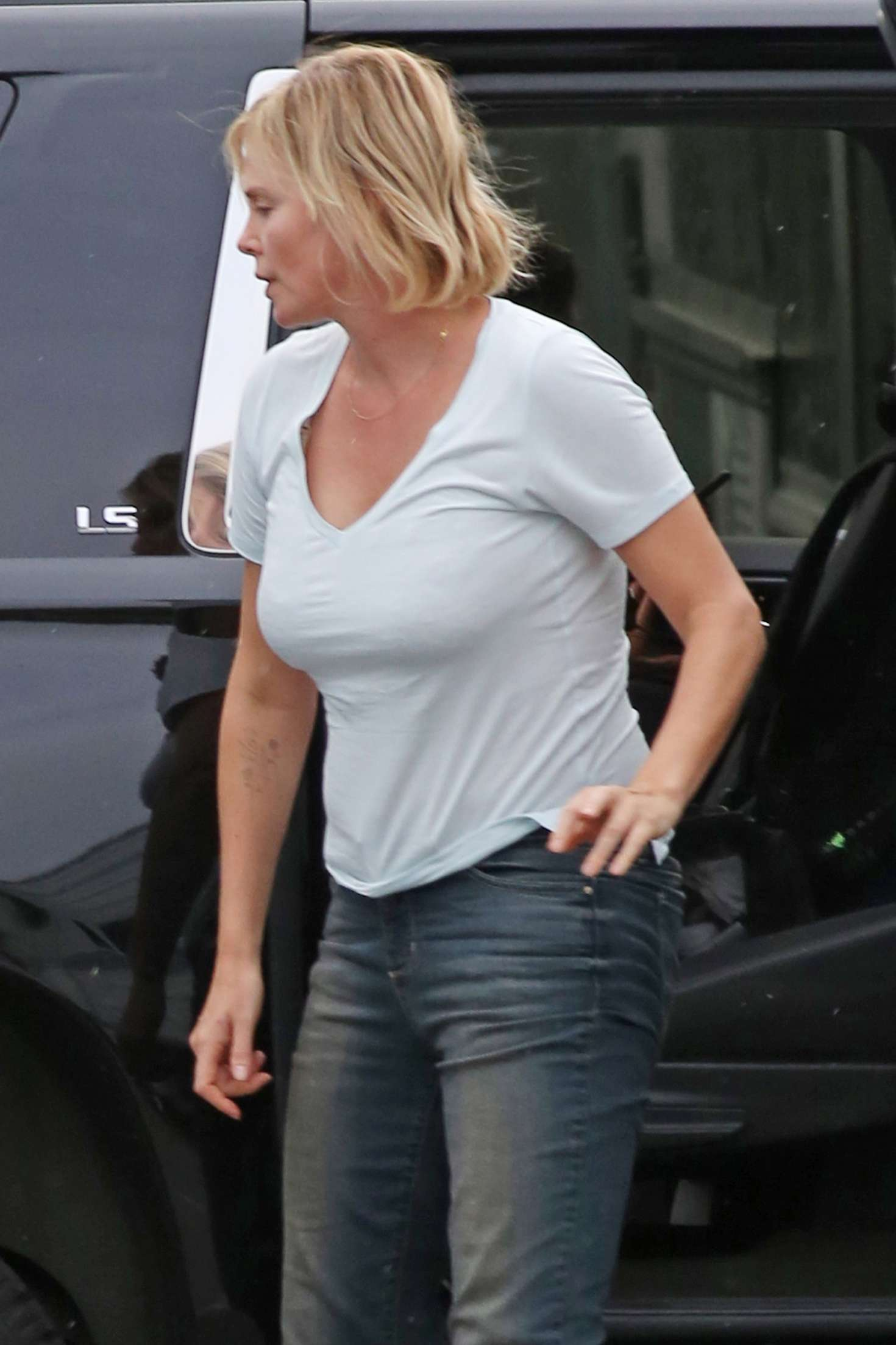 Charlize Theron In Jeans Out In Vancouver Gotceleb