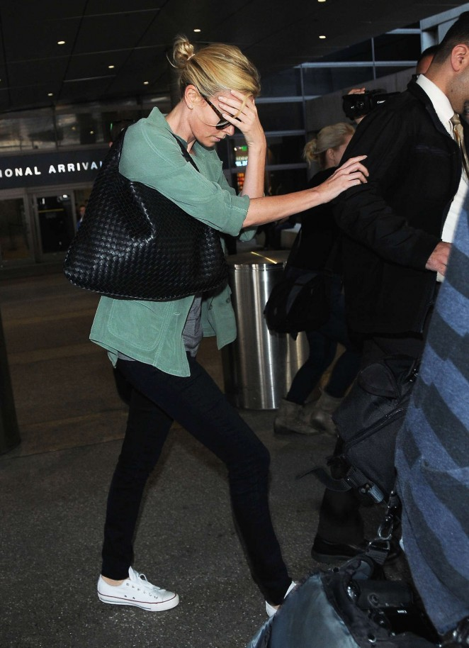 Charlize Theron: LAX airport -06