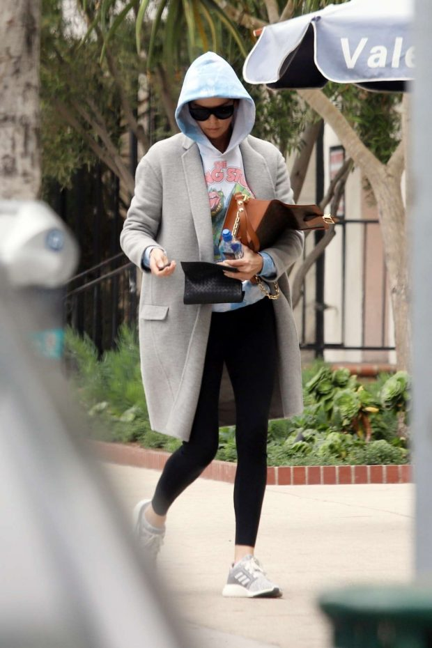 Charlize Theron: Leaves a Business Meeting -04