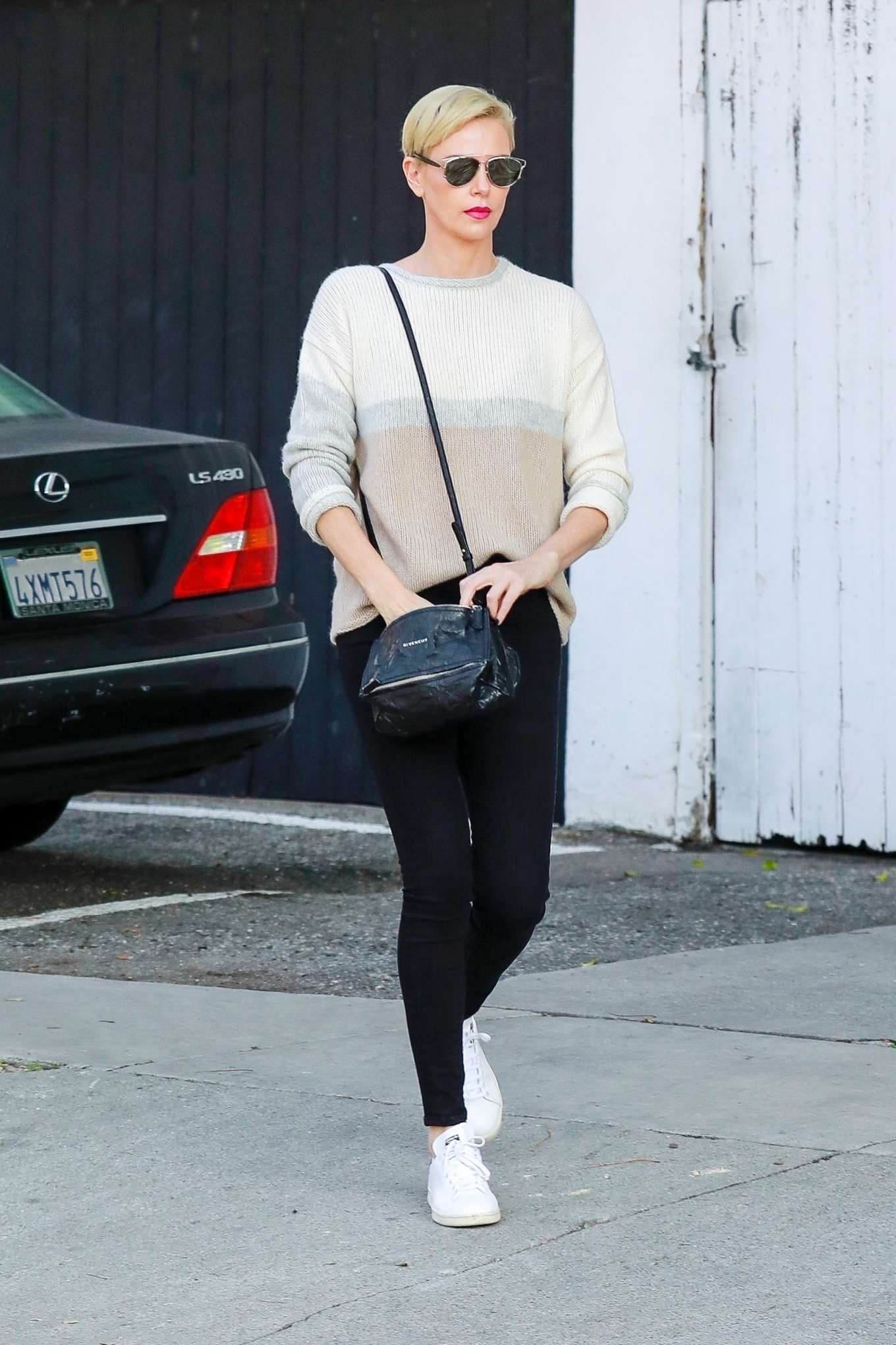 Charlize Theron 2020 : Charlize Theron – Makes a solo trip to a furniture store in Los Angeles-02