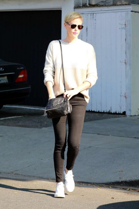 Charlize Theron 2020 : Charlize Theron – Makes a solo trip to a furniture store in Los Angeles-11