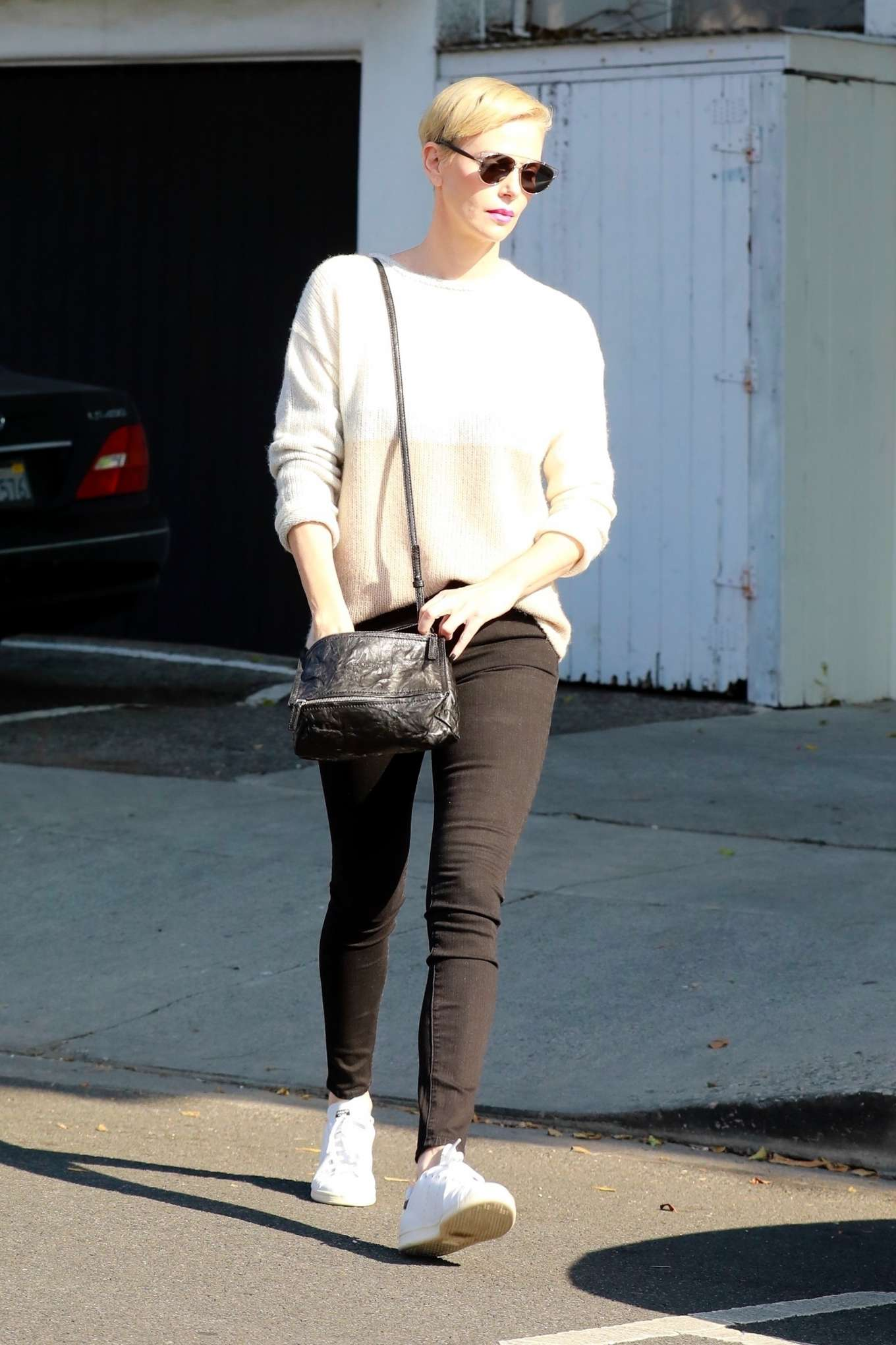 Charlize Theron 2020 : Charlize Theron – Makes a solo trip to a furniture store in Los Angeles-12
