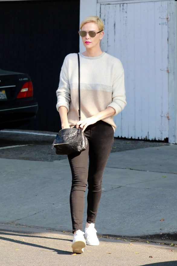Charlize Theron 2020 : Charlize Theron – Makes a solo trip to a furniture store in Los Angeles-13