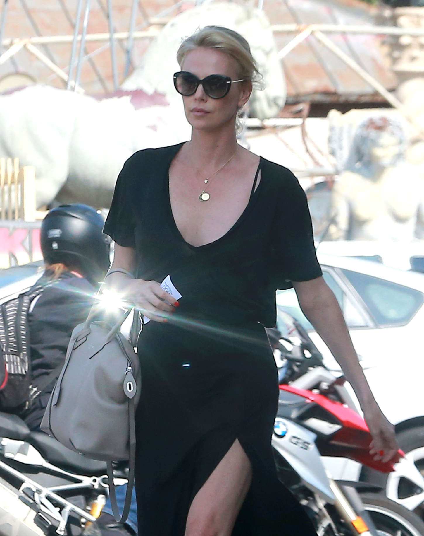 Black dress 2015 - Back To Full Gallery Charlize Theron Out In Los Angeles