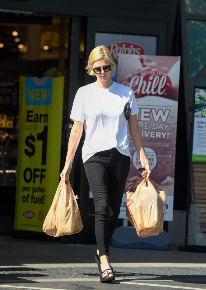 Charlize Theron - Shopping candids in Los Angeles