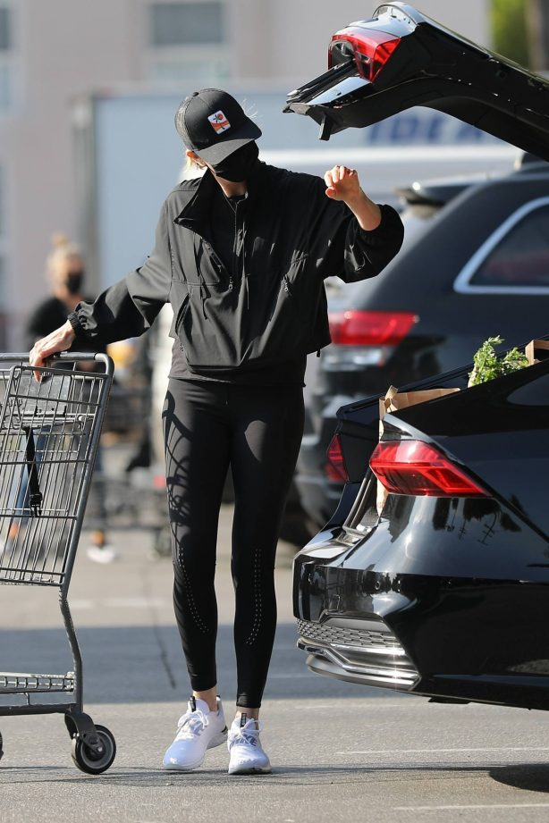 Charlize Theron - Stops by Bristol Farms for groceries in Beverly Hills