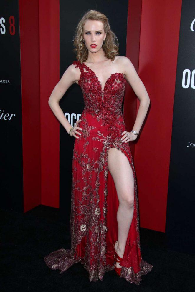 Charlotte Kirk - Ocean's 8 Premiere photocall In New York