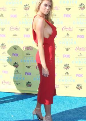 Charlotte McKinney: 2015 Teen Choice Awards in LA-02