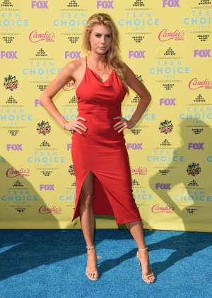 Charlotte McKinney: 2015 Teen Choice Awards in LA-06