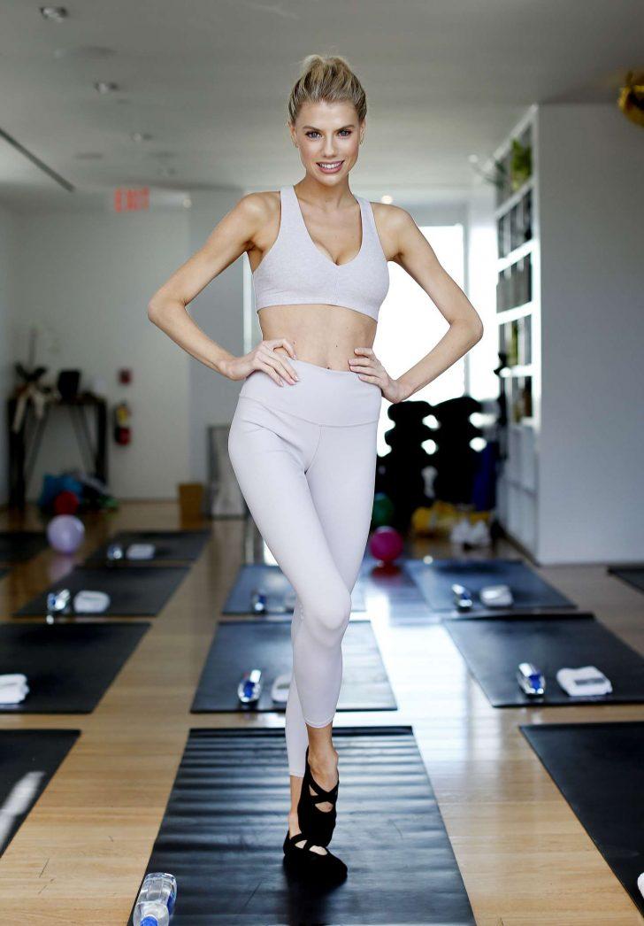 Charlotte McKinney 2019 : Charlotte McKinney at a yoga class -05