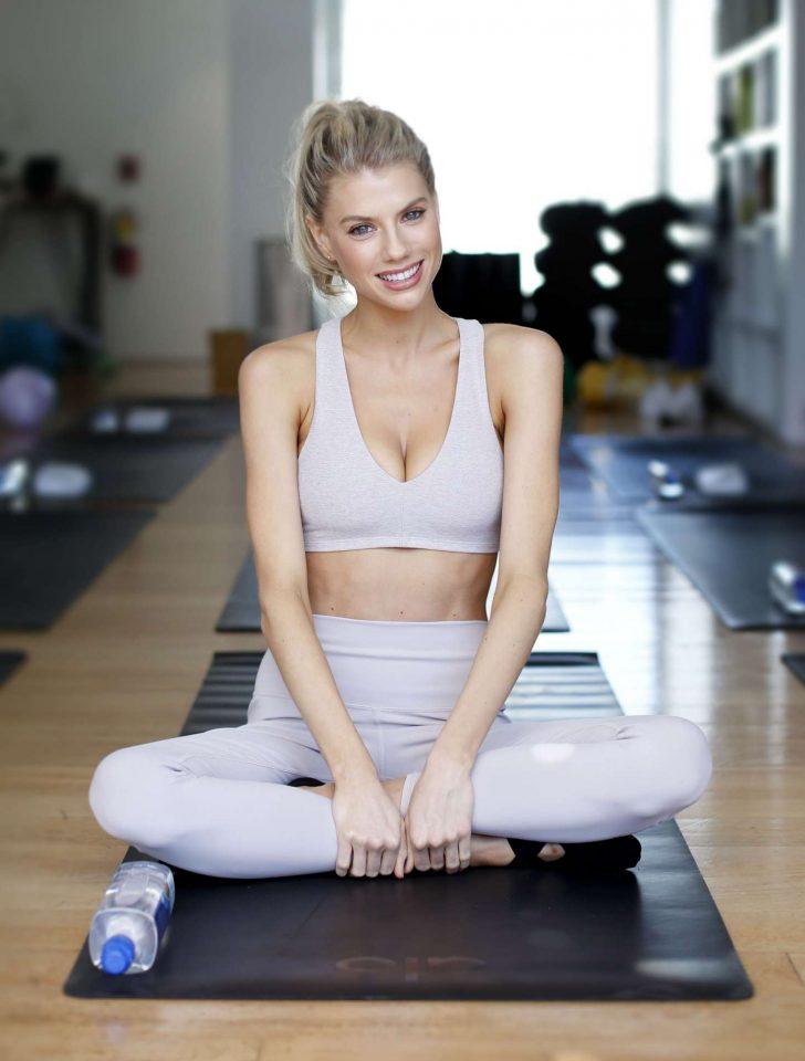 Charlotte McKinney at a yoga class -06