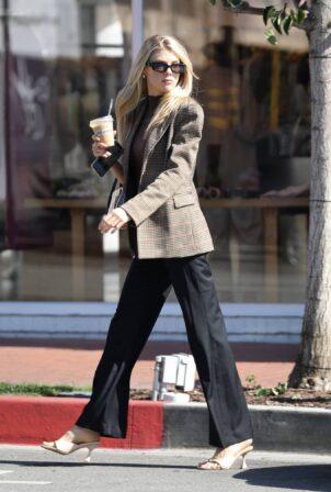 Charlotte McKinney - Dons business look in LA
