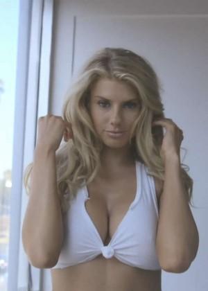 Charlotte McKinney: GQs How to Date Charlotte McKinney -17
