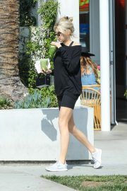 Charlotte McKinney - Grabbing a green tea at Cha Cha Matcha in West Hollywood