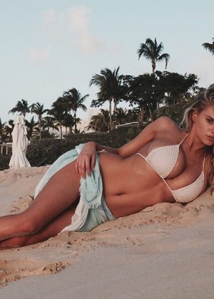 Charlotte McKinney Hot Social Media Photos