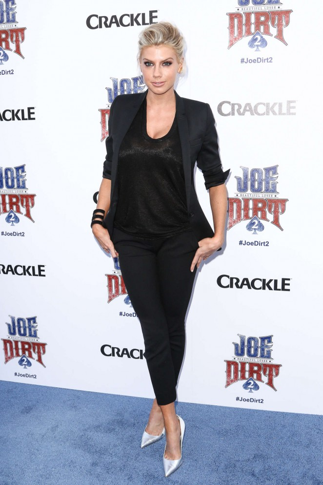 Charlotte McKinney: Joe Dirt 2 Beautiful Loser Premiere -04