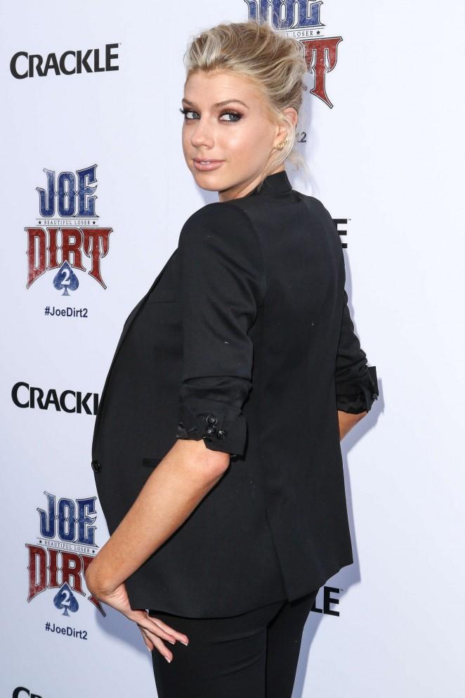 Charlotte McKinney: Joe Dirt 2 Beautiful Loser Premiere -09