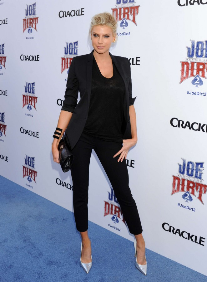 Charlotte McKinney: Joe Dirt 2 Beautiful Loser Premiere -10