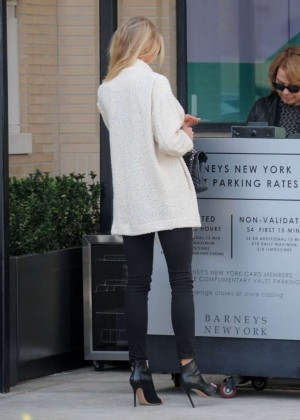 Charlotte McKinney out in Beverly Hills -11