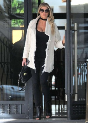 Charlotte McKinney out in Beverly Hills -14