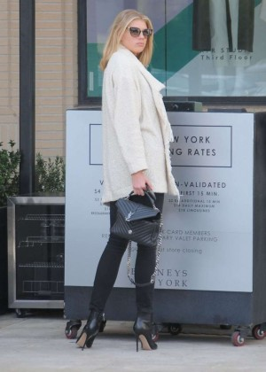 Charlotte McKinney out in Beverly Hills -16