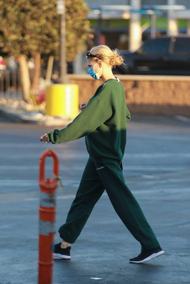 Charlotte McKinney - Seen after a trip to CVS in Santa Monica