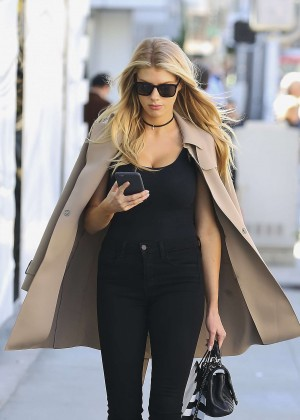Charlotte McKinney - Shopping at Sephora in Beverly Hills