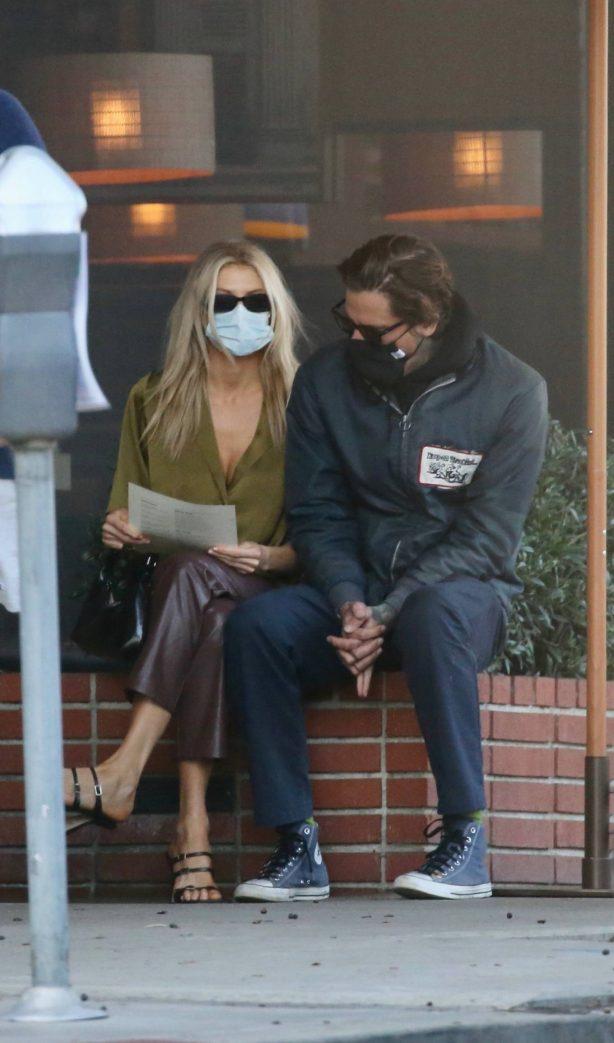Charlotte McKinney - With her boyfriend in Santa Monica