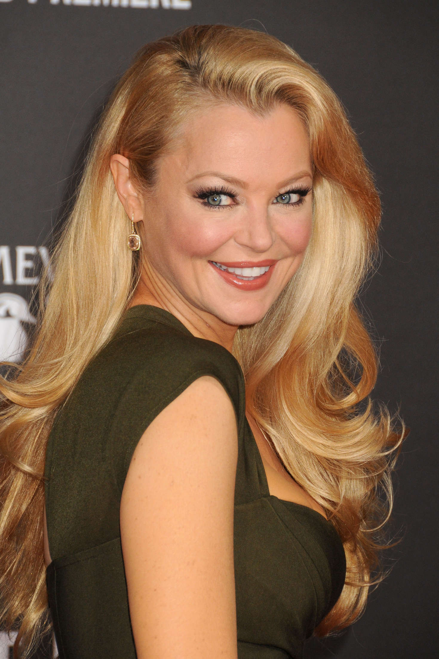 Charlotte Ross Nude Photos 97