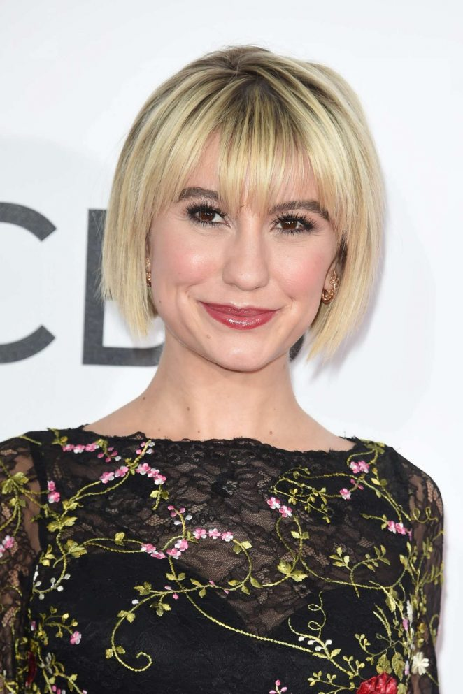 Chelsea Kane: 2017 Peoples Choice Awards -04 - GotCeleb