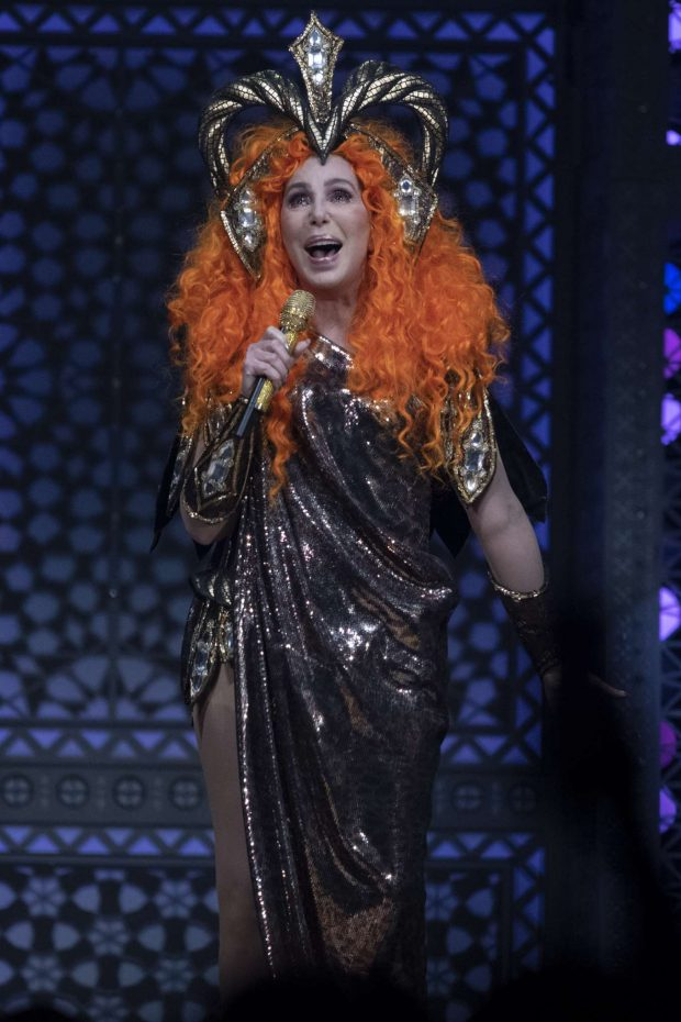 Cher - Performs On Her 'Here We Go Again' Tour in Calgary