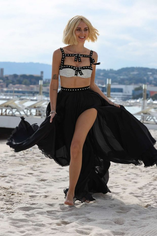 Chiara Ferragni - Photoshoot on a beach in Cannes