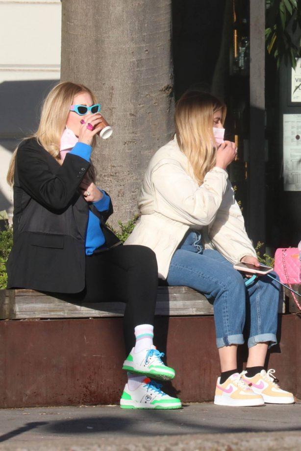 Chiara Ferragni - With her sister in Milan
