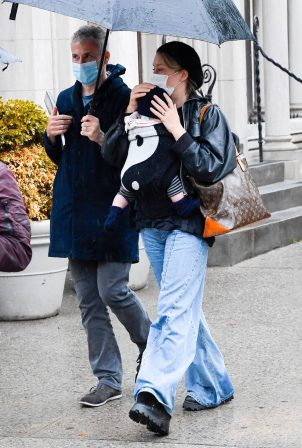 Chloë Sevigny - Cradles six-month-old baby boy Vanja in New York City