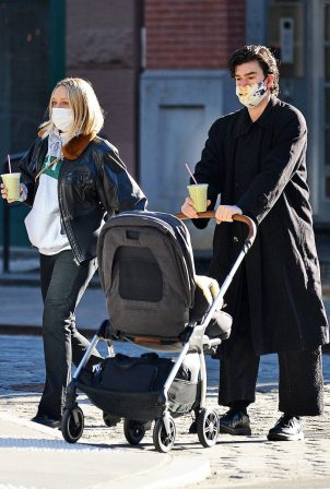 Chloë Sevigny - With boyfriend Sinisa Mackovic in New York City