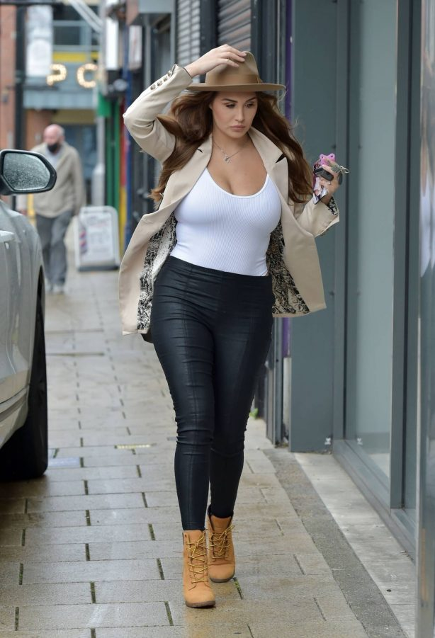 Chloe Goodman - Shopping in Newcastle