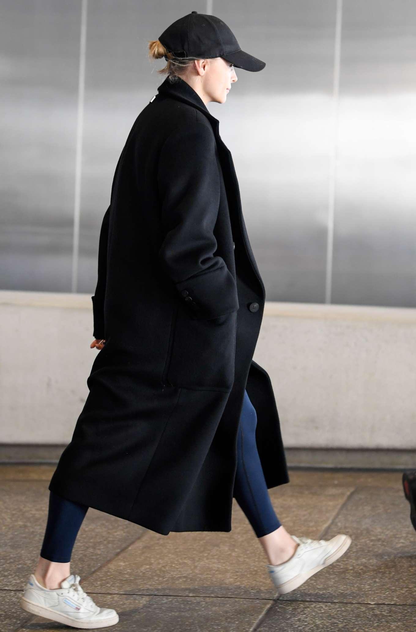 Chloe Grace Moretz 2019 : Chloe Grace Moretz – arriving to Los Angeles International Airport-01