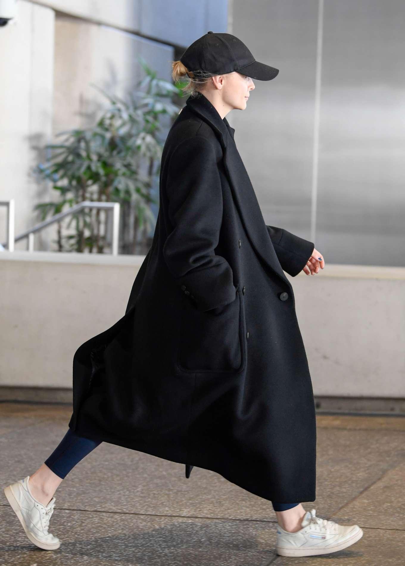 Chloe Grace Moretz 2019 : Chloe Grace Moretz – arriving to Los Angeles International Airport-06