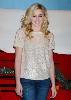Chloe Lukasiak - Knott's Merry Farm Countdown to Christmas & Tree Lighting