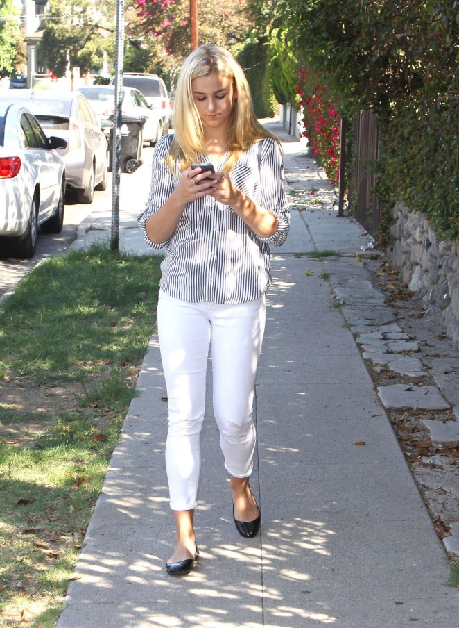 Chloe Lukasiak in Tight Jeans -01